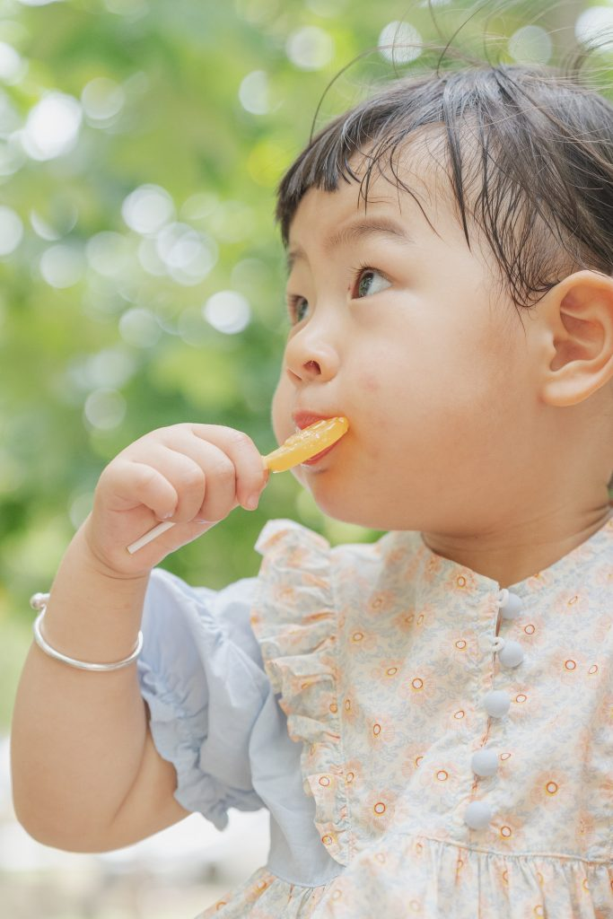 girl sucking a lollypop - Fussy Eating - Nutritionist - The Gentle Touch